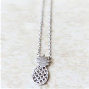Jewelry - Pineapple necklace bonus keychain
